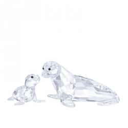 Zeeleeuwmoeder met jong